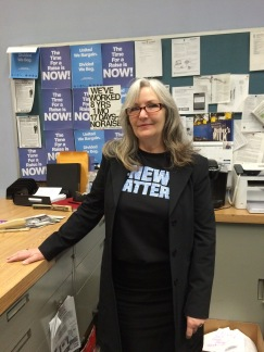 """Classified Advertising Supervisor Carol Stahl shows how to proclaim #newsmatters and still be """"business casual"""""""